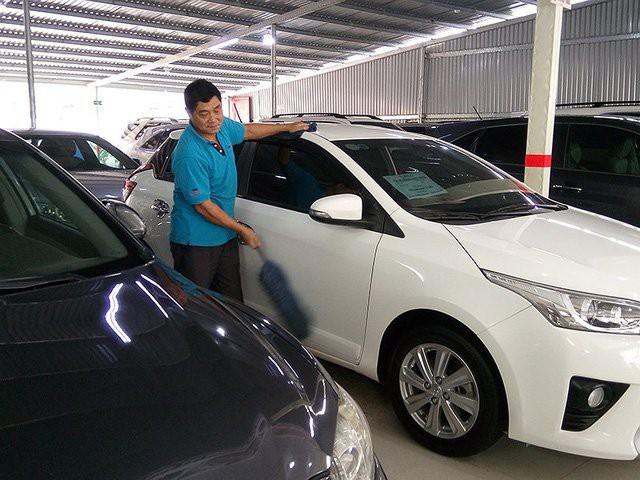 Ô tô cũ lẫn ô tô mới đều thiếu khiến khách hàng chịu thiệt.