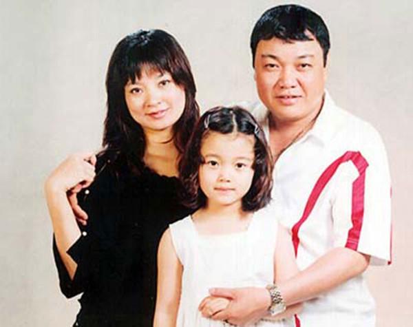 Gia đình hạnh phúc của Hoài Thát-chơ.