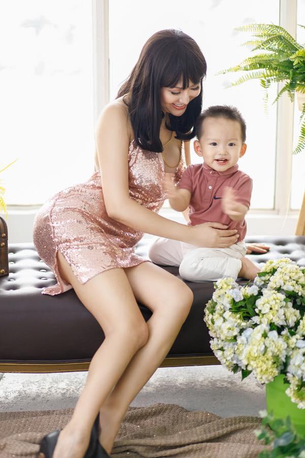 Hiện tại, Phi Thanh Vân bận rộn lo cho công việc kinh doanh, dành thời gian cho con trai nên chưa nghĩ tới chuyện tình cảm trong thời gian tới.
