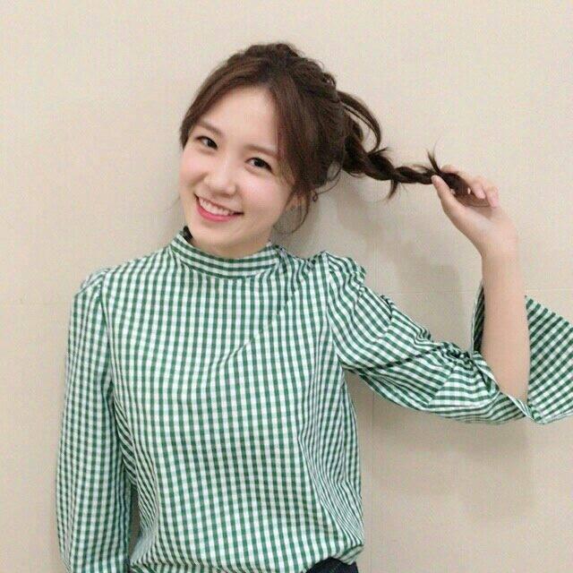 Jang Ye Won được nhiều người mến mộ khi gắn liền với hình ảnh nữ phóng viên xông xáo, tài năng. Ảnh: FBNV.
