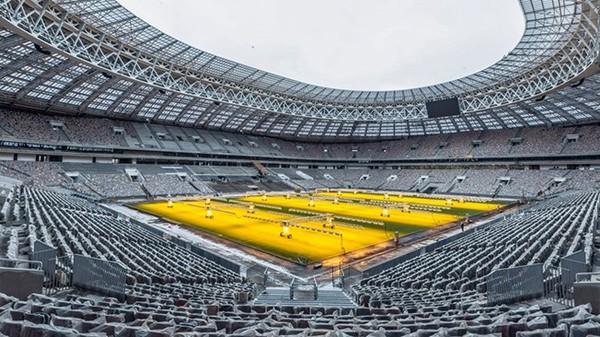 Sân vận động Luzhniki là sân vận động thể thao ở Moskva, Nga. Tổng số chỗ ngồi của nó là 81.000 chỗ, tất cả đều được bảo hiểm (nâng cấp). Sân vận động là một phần của Khu liên hợp Thể thao Olympic Luzhniki, nằm ở quận Khamovniki của thành phố Okrug Hành chính Trung tâm Moskva. Cái tên Luzhniki xuất phát từ các đồng cỏ lũ lụt uốn khúc sông Moskva, nơi sân vận động được xây dựng, dịch là The Meadows.