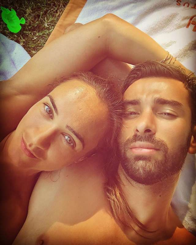 Vợ chồng thủ thành đội tuyển Bồ Đào Nha Rui Patricio, cô Vera Ribeiro