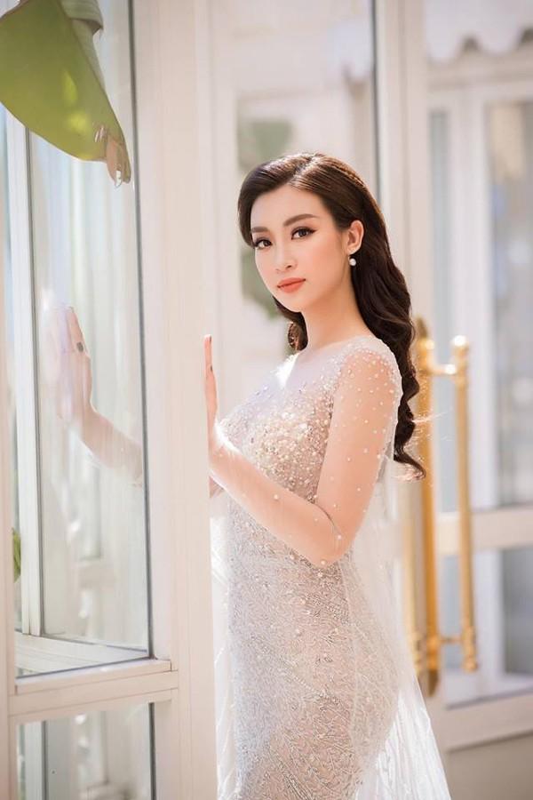 Đỗ Mỹ Linh tự tin lên tiếng trước tranh cãi tuổi gì mà đòi làm giám khảo Hoa hậu.