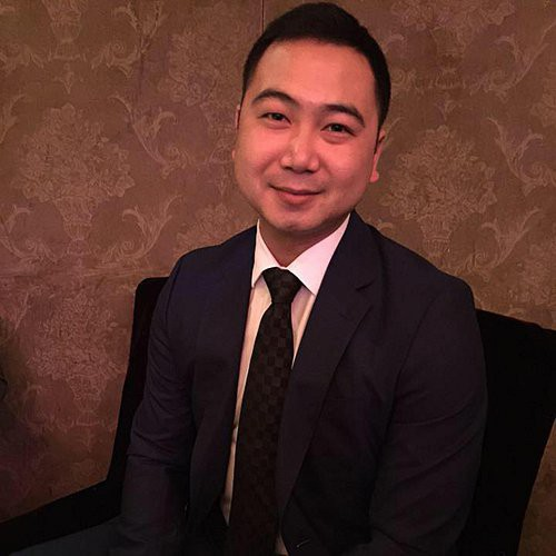 John Tuấn Nguyễn là doanh nhân thành đạt từng du học tại Canada. Anh cũng từng được nhiều người biết đến khi có mối tình ồn ào với Á hậu Thuý Vân.
