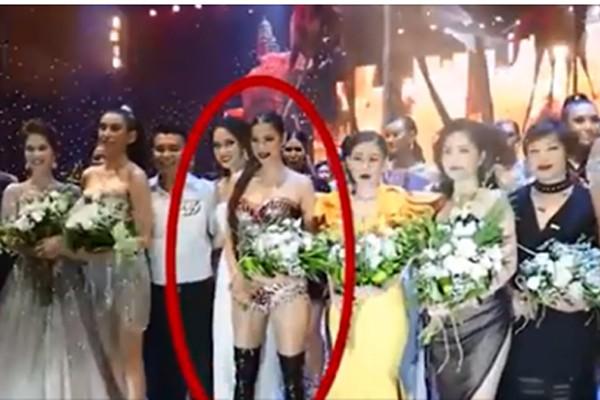 Bức ảnh thị phi gây ra tin đồn tiêu cực về mối quan hệ giữa Phạm Hương và Hương Giang Idol.