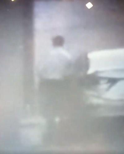 Người đàn ông lên xe bỏ đi được cho là ông N.Q.T., Bí thư Huyện ủy Krông Ana