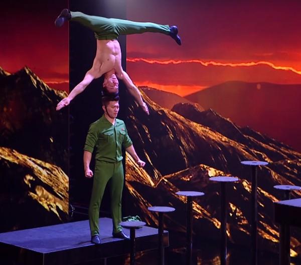 Phần thi của Quốc Cơ - Quốc Nghiệp trong đêm Chung kết Britains Got Talent.