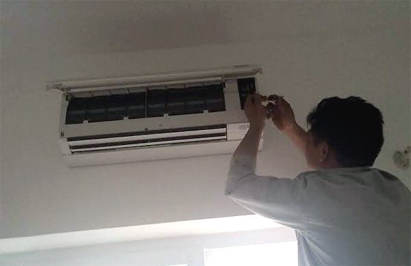 Nhiều người có thói quen máy điều hòa đang chạy tốt quyết không bảo dưỡng và chỉ gọi thợ khi máy gặp trục trặc