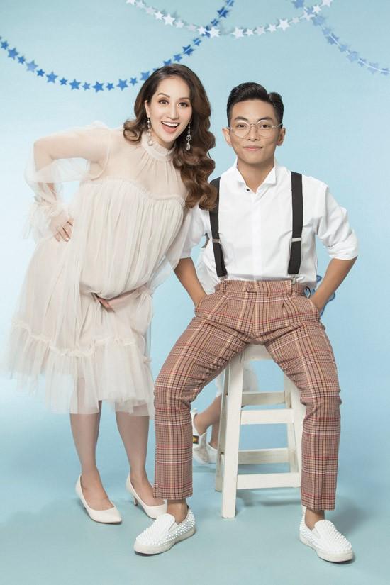 Phan Hiển kém vợ 12 tuổi nhưng lại là người đàn ông chững chạc. Khi lập gia đình, anh ngày càng trưởng thành, sống có trách nhiệm hơn, trong khi Khánh Thi thay đổi nhiều về tính cách để hòa hợp với chồng.