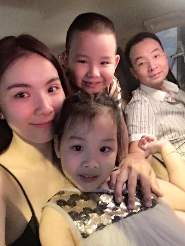 Gia đình nhỏ hạnh phúc của Thùy Lâm.