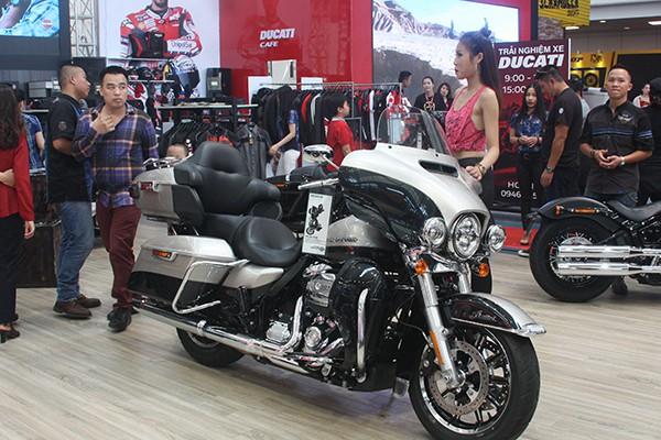 Chiếc Harley Davidson Ultra Limited có giá bán hơn 1,5 tỷ đồng.