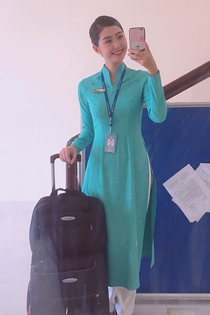 Cô gái sinh năm 1995 hiện là tiếp viên hàng không