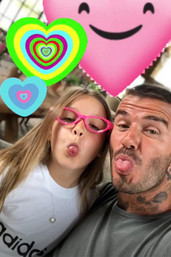 Becks chia sẻ loạt ảnh nhí nhảnh bên con gái trên Instagram.