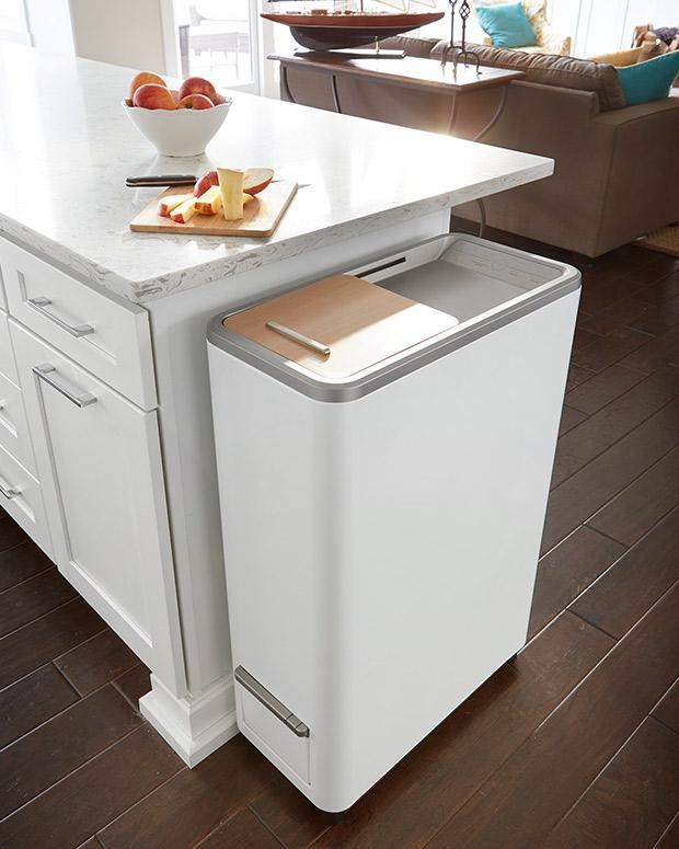 Thùng rác được thiết kế đẹp mắt, vừa văn và phù hợp với hầu hết các gian bếp của mọi gia đình. Ảnh: IT