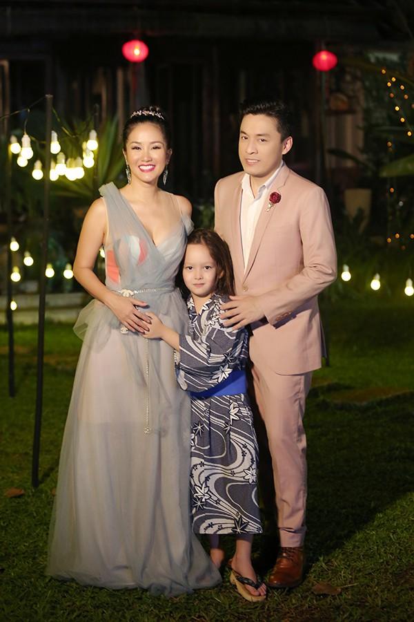 Trong tập 6, Lam Trường mời Hồng Nhung tham gia cùng. Trong buổi ghi hình, Hồng Nhung đưa cả con trai theo để xem cô hát.