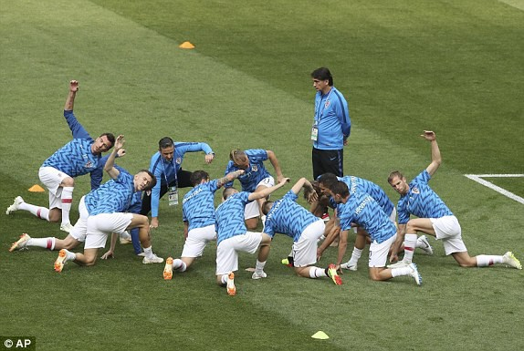 Màn khởi động cuối cùng của đội tuyển Croatia trước trận đấu