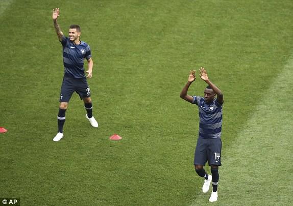 Matuidi (phải) là cầu thủ thu hút sự chú ý lớn
