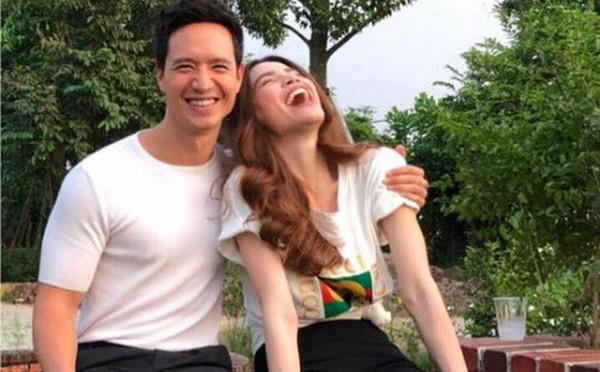 Hà Hồ hạnh phúc bên Kim Lý.