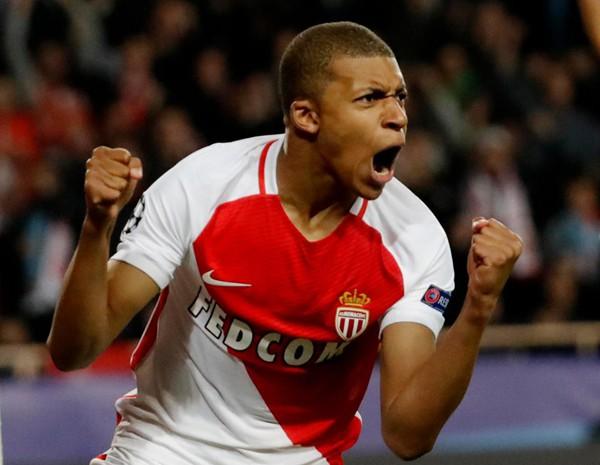 Mbappe mới chỉ 19 tuổi nhưng đã trở thành Cậu bé Vàng của nước Pháp.