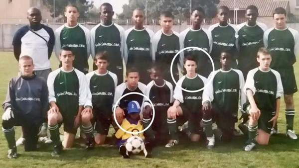Mbappe có cơ hội tiếp xúc với bóng đá từ khi còn rất nhỏ. Cậu thường xuyên trốn bố mẹ tập bóng trong nhà.
