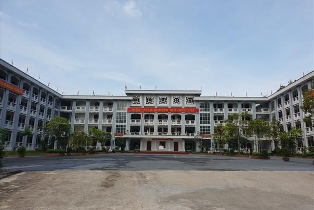 Những ngày qua, Trường THPT chuyên Hà Giang - nơi nhiều thí sinh sửa điểm theo học là tâm điểm của xã hội. Ảnh: H.N