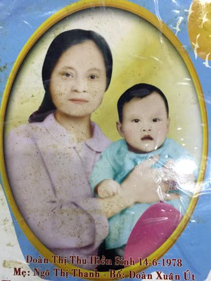 Bà Thanh và con gái Đoàn Thi Hiền - người bị mất tích, hiện 37 tuổi. Ảnh: NVCC.