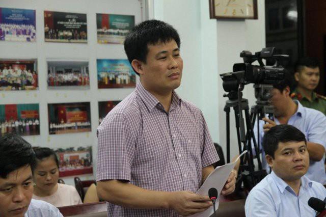 Ông Sái Công Hồng - Phó Cục trưởng Cục quản lí chất lượng, Bộ GDĐT thông báo kết quả rà soát.