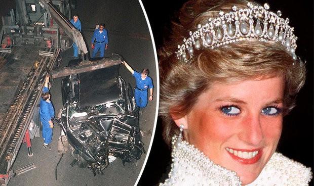 Hiện trường vụ tai nạn xe hơi cách đây hơn 20 năm.