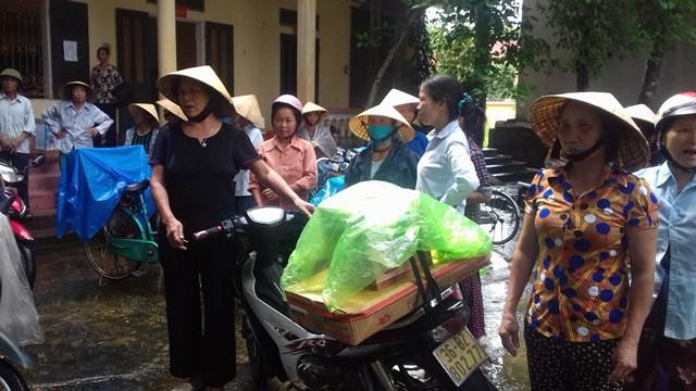 Hàng trăm hộ dân xã An Nông đứng trước nguy cơ mất tiền do mua hàng kém chất lượng vì tin tưởng chủ tịch xã giới thiệu xuống
