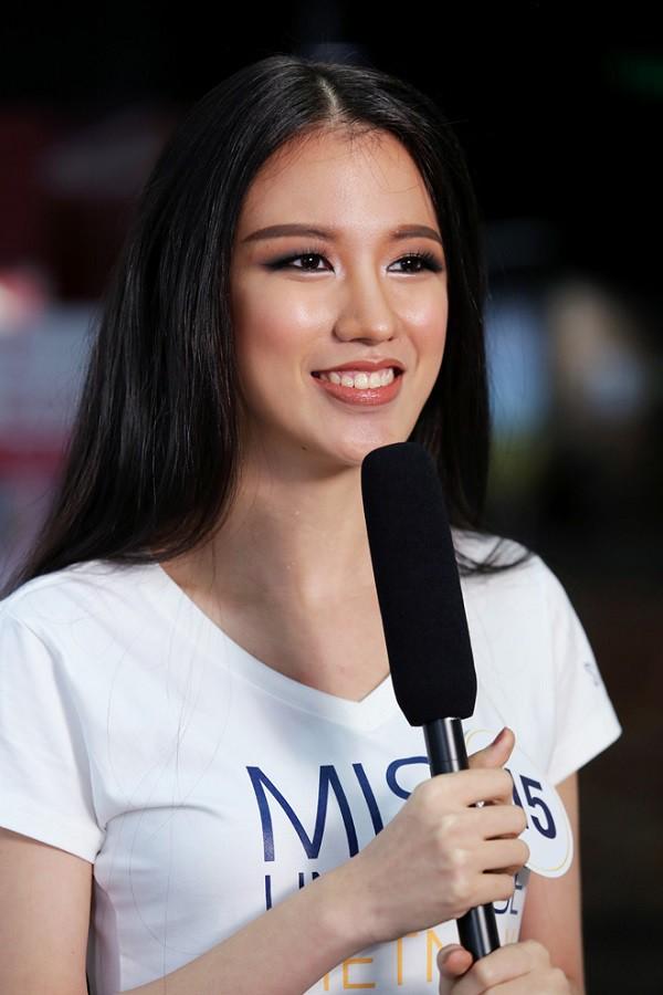 """Cô đã lọt vào danh sách 25 người đẹp phía Bắc vào vòng Chung kết toàn quốc của Hoa hậu Việt Nam 2018. Thông tin này gây bất ngờ vì Tuyết Trang không tham gia dự án nhân ái nào của cuộc thi năm nay. Theo chia sẻ từ BTC Hoa hậu Việt Nam, việc Tuyết Trang được """"đặc cách"""" bởi cô là 1 trong 6 đại biểu Việt Nam tham gia chương trình tình nguyện về bảo tồn di sản thiên nhiên dành cho các bạn trẻ Đông Nam Á (AYVP) tại Malaysia trong khoảng thời gian từ 24/7 - 20/8."""