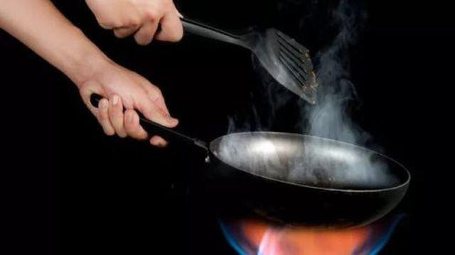 Khói bếp khi nấu nướng cũng một phần gây nên bệnh ung thư phổi