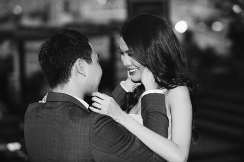 Lan Khuê hạnh phúc khi được bạn trai cầu hôn vào cuối tháng 6.