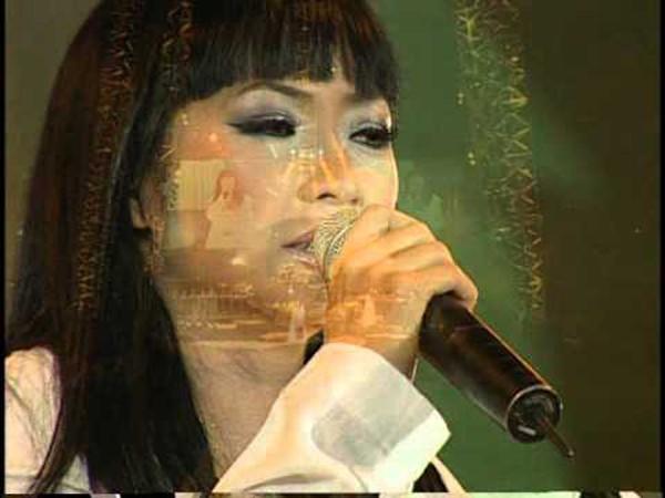 Phương Thanh gây nhớ thương với ca khúc Giã từ dĩ vãng.