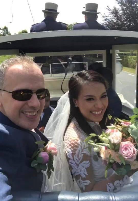 Lý Thanh Thảo từng kết hôn nhưng đã tan vỡ sau hai năm. Đây là lần thứ 2 cô lên xe hoa nên nhận được rất nhiều lời chúc mừng của bạn bè.