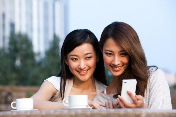 Còn gì hạnh phúc hơn được nhìn thấy nụ cười trên gương mặt bạn thân. (Ảnh minh họa)