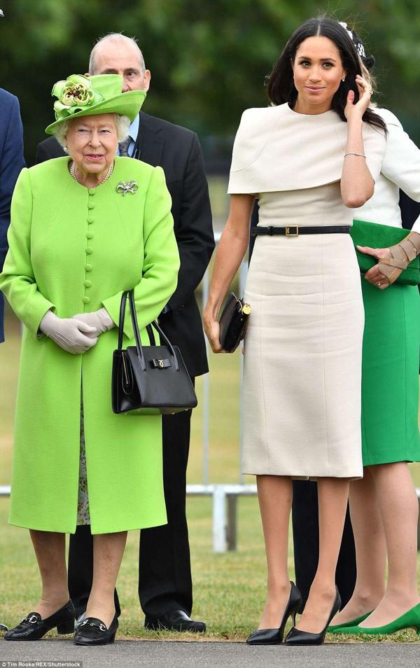 Markle sẽ cùng Nữ hoàng Elizabeth II đến Chester để dự khai trương trung tâm văn hóa Storyhouse vào ngày 14/6.