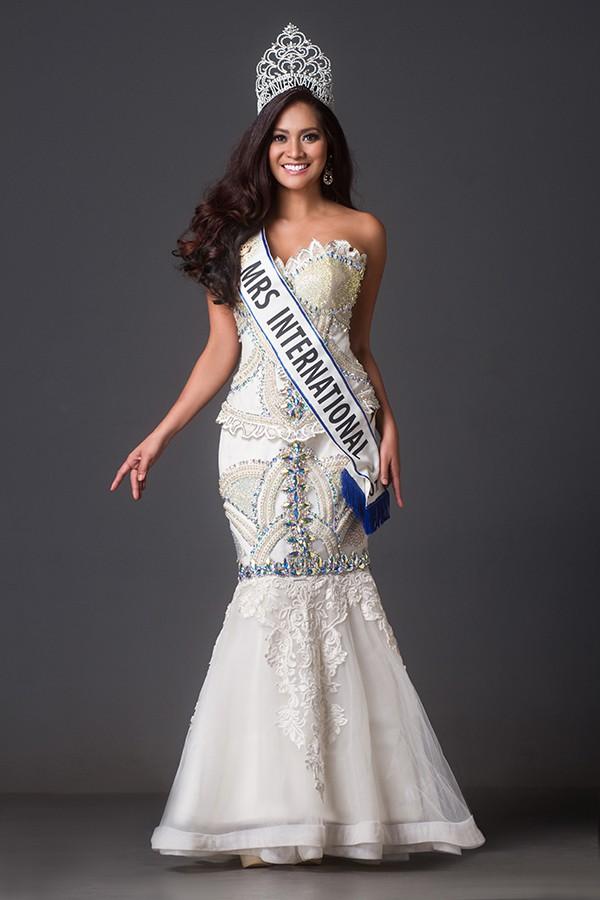 Hoa hậu Quý bà thế giới Jessica.