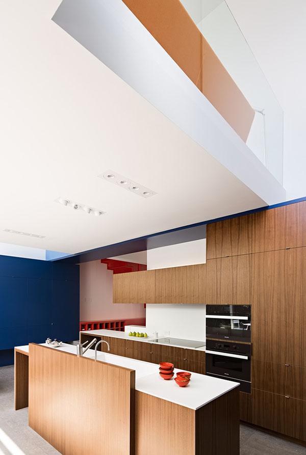 Phòng bếp không chỉ đáp ứng nhu cầu nấu nướng mà nó còn là một nhân tố quan trọng góp phần làm tăng thêm nét thẩm mỹ cho căn nhà