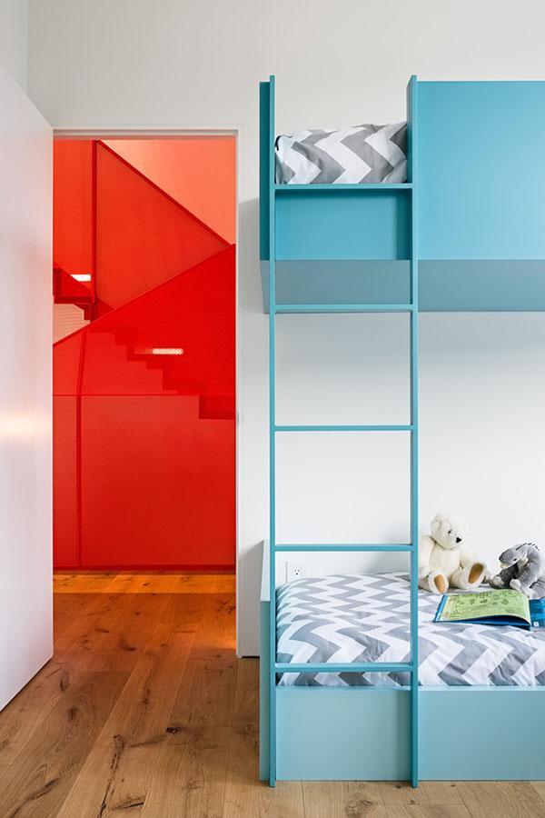 Phòng ngủ mang lại cảm giác ấm cúng, hài hòa với tổng thế