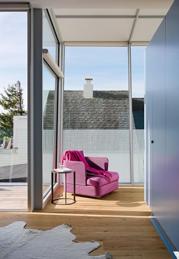 Mọi khu vực trong căn nhà đều đề cao sự tối giản nhưng vẫn giữ được nét hiện đại