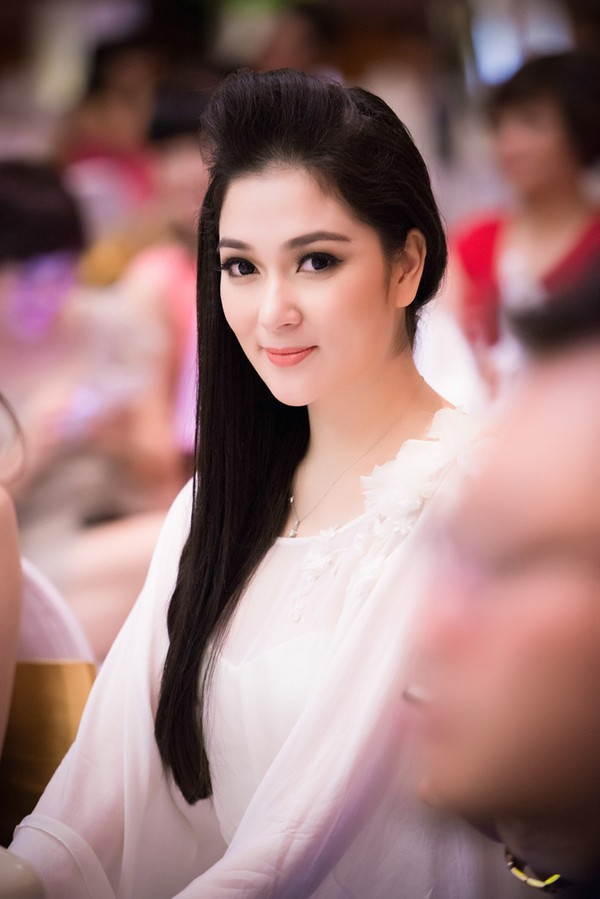 Nét đẹp trong sáng, đậm chất Á Đông của cô ngày càng được nâng tầm nhờ thay đổi phong cách trang điểm, ăn mặc