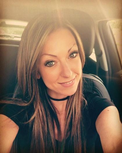 Cô giáo Zoe Bloodworth đã giúp cảnh sát nhanh chóng tóm được kẻ trộm nhà mình. Ảnh: The Sun.