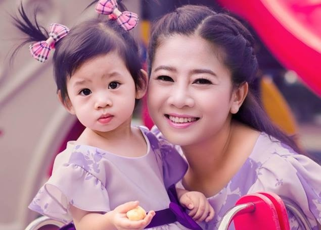 Mai Phương và con gái Lavie