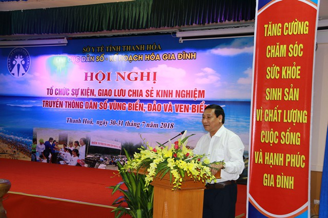 Ông Võ Thành Đông, Phó Tổng cục trưởng Tổng cục DS-KHHGĐ phát biểu tại hội nghị