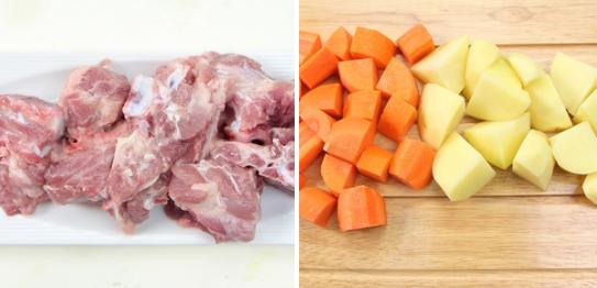 Xương heo mua về rửa sạch, để ráo, chặt thành từng miếng vừa ăn. Cà rốt, khoai tây gọt vỏ, cắt khúc vừa, để riêng. Bạn có thể thay thế bằng xương ống tùy thích.