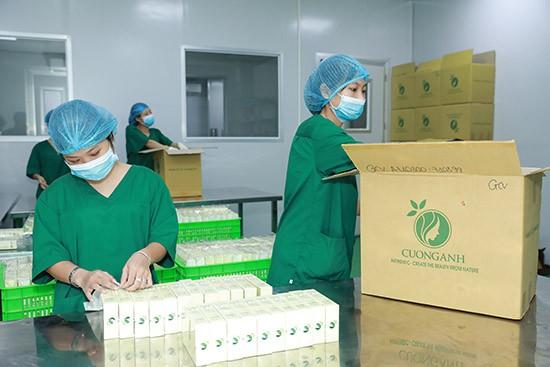 Cường Anh chú trọng từ khâu lựa chọn nguyên liệu đến khâu chiết xuất, đóng gói trước khi sản phẩm được đưa ra thị trường.