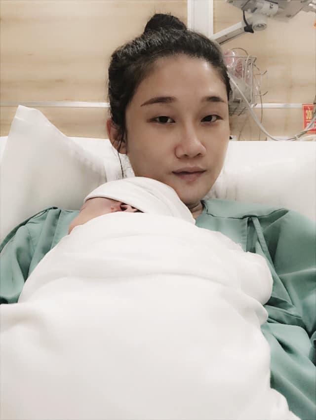Kha Mỹ Vân tiết lộ đã sinh con đầu lòng trong ngày sinh nhật của mình.