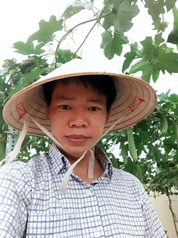 Ngoài công việc chính là luật sư, hết giờ làm anh Đỗ Ngọc Thanh trở thành nông dân phố chính hiệu.