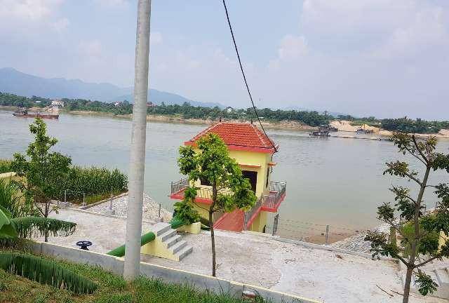 Những trạm bơm tại xã Tử Đà được xây dựng cùng thời điểm tàu, thuyền khai thác và vận chuyển cát sỏi rầm rộ nhất.