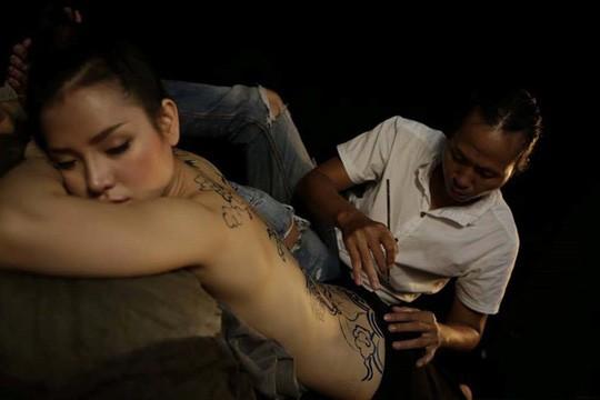 Mẫu nude bị coi là một nghề nhạy cảm